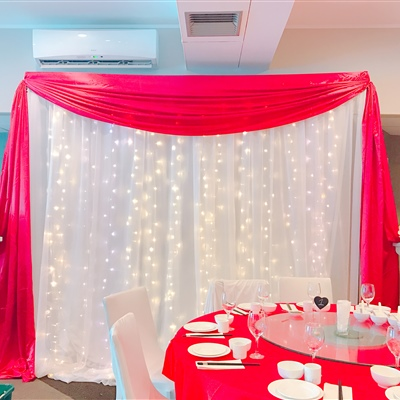 3m x 3m Curtain Lights with Red Frame